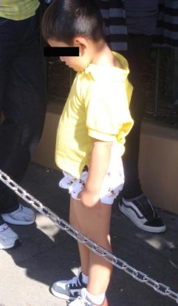 moms-letting-kids-where-their-underwear-in-public