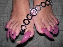 scary-long-toenails.jpg