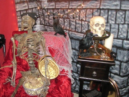 5-dead-pirate-in-pirate-chair-most-awesome-pirate-party